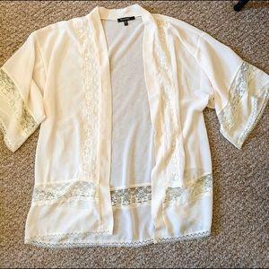 Lightweight Flowy Cream Kimono with Lace Detail